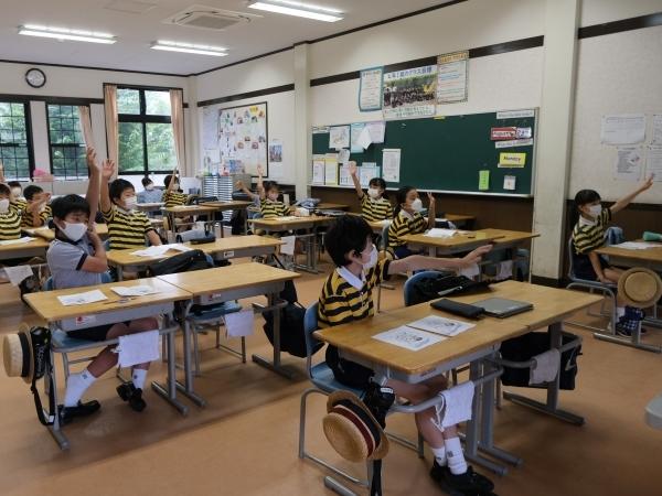 今の時期ならではの授業風景(分散登校G・L組)